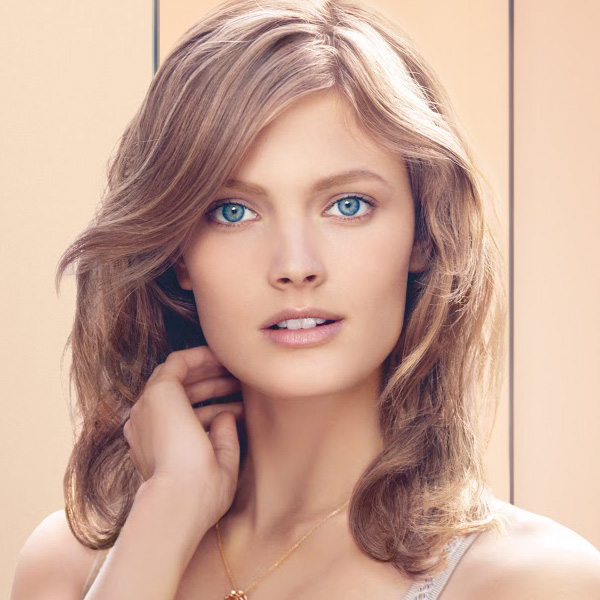 Estee-Lauder-Spring-2013-Invisible-Powder-Makeup-Promo1