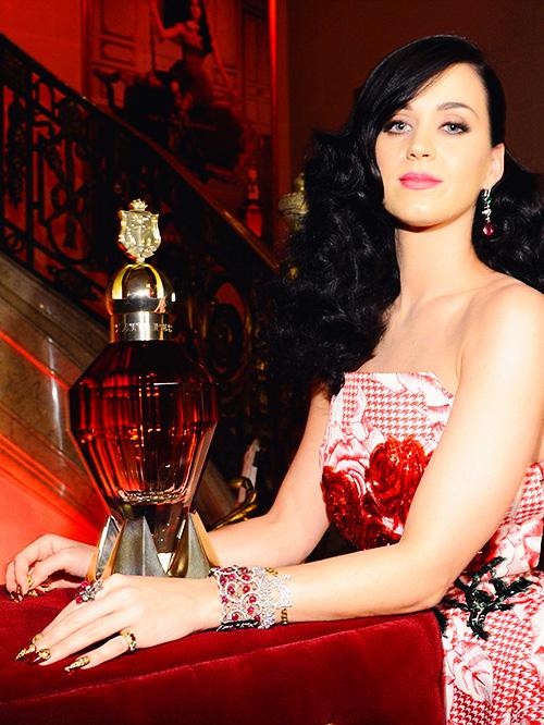 Katy Perry Killer Queen 4