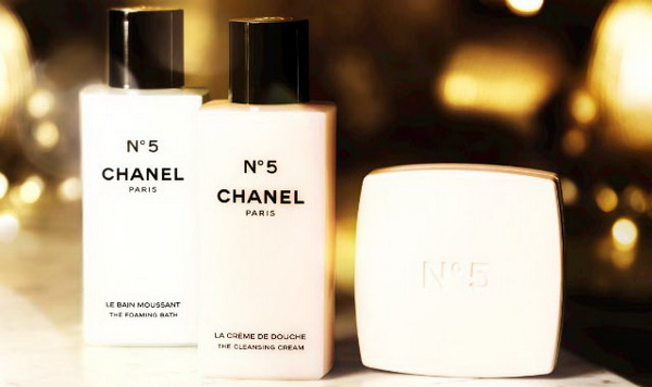 Chanel-No-5-The-Bath-The-Body-The-Senses-Christmas-Collection-2013