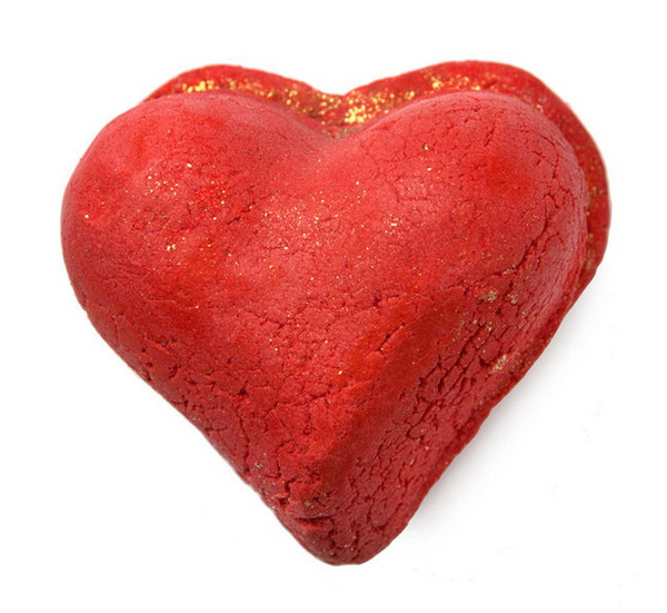 Lush-Spring-2015-Valentine's-Day-Collection-Heart-Throb