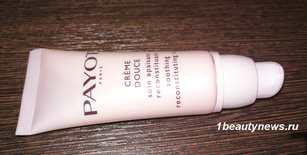 Payot-Les-Sensitives-Creme-Douce-Soothing- Reconstituting-Care-Review 1