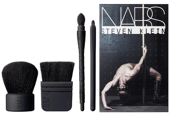 Nars-Holiday-2015-2016-Steven-Klein-Collection-Full-Service-Mini-Kabuki-Brush-Set