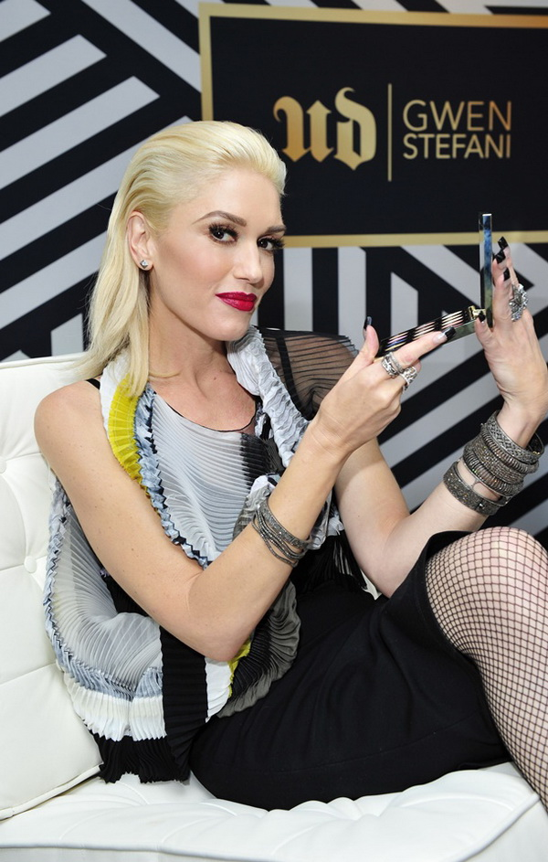 Gwen stefani eye makeup