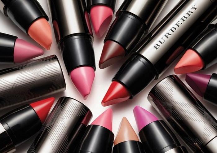 Burberry-Spring-2016-Full-Kisses-Lipstick 8