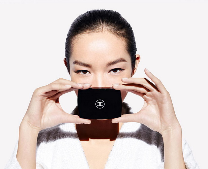 Chanel-Summer-2016-Ultrawear-Flawless-Compact-Foundation-SPF15 1