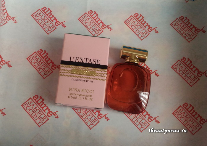 Allurebox-July-6-2016-Review-Nina-Ricci-L'Extase-Caresse-de-Roses