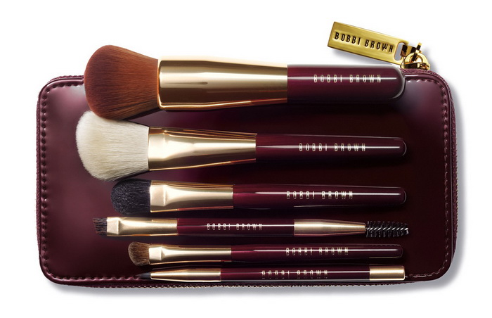 Bobbi-Brown-Holiday-2016-2017-Gift-Giving-Collection-Travel-Brush-Set