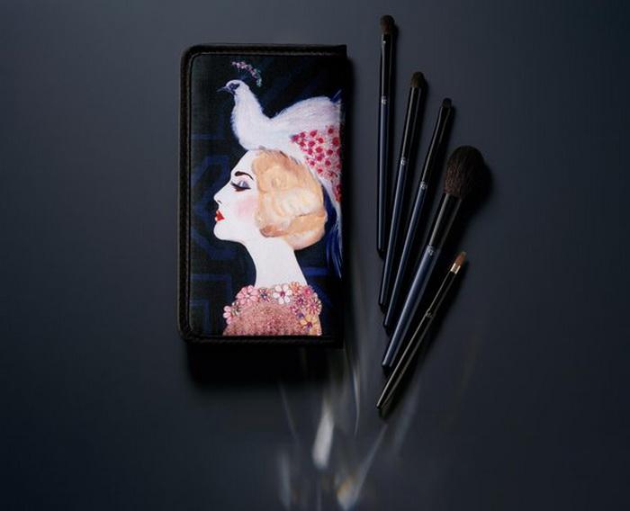 cle-de-peau-holiday-2016-2017-les-annees-folles-makeup-collection-colour-make-up-brush-set