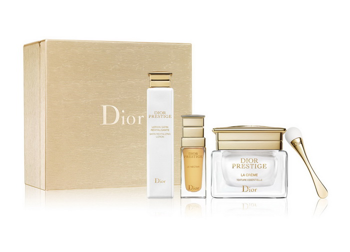 Dior-Christmass-Holiday-2016-2017-Sets 10