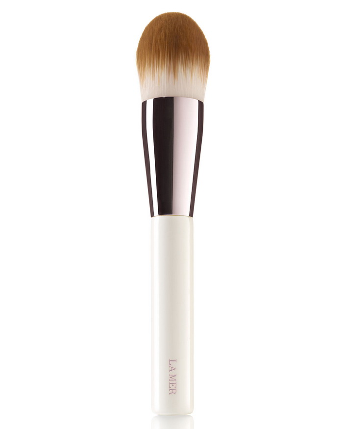 la-mer-fall-winter-2016-skincolor-collection-foundation-brush